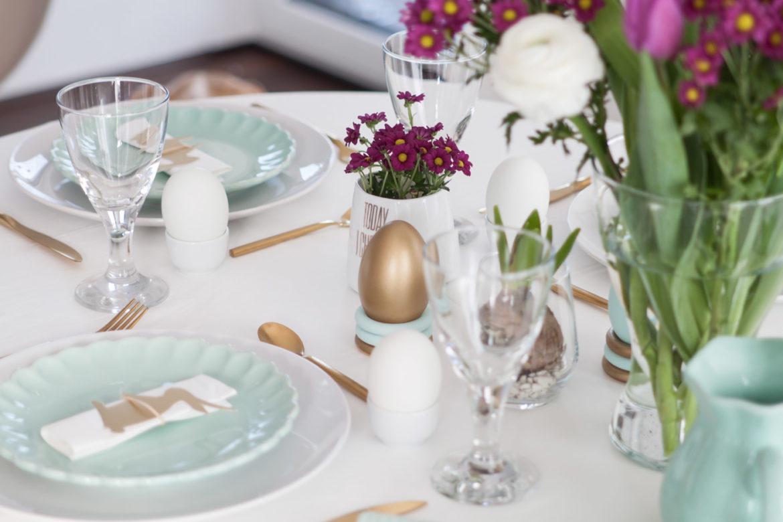 Ostertisch Tischdeko mint und gold