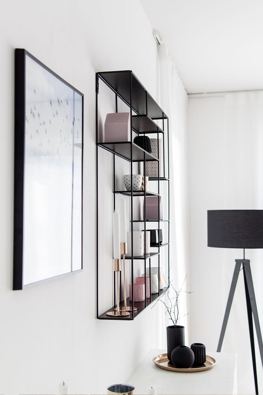 Wandregal schwarz, metall von Bruka Design