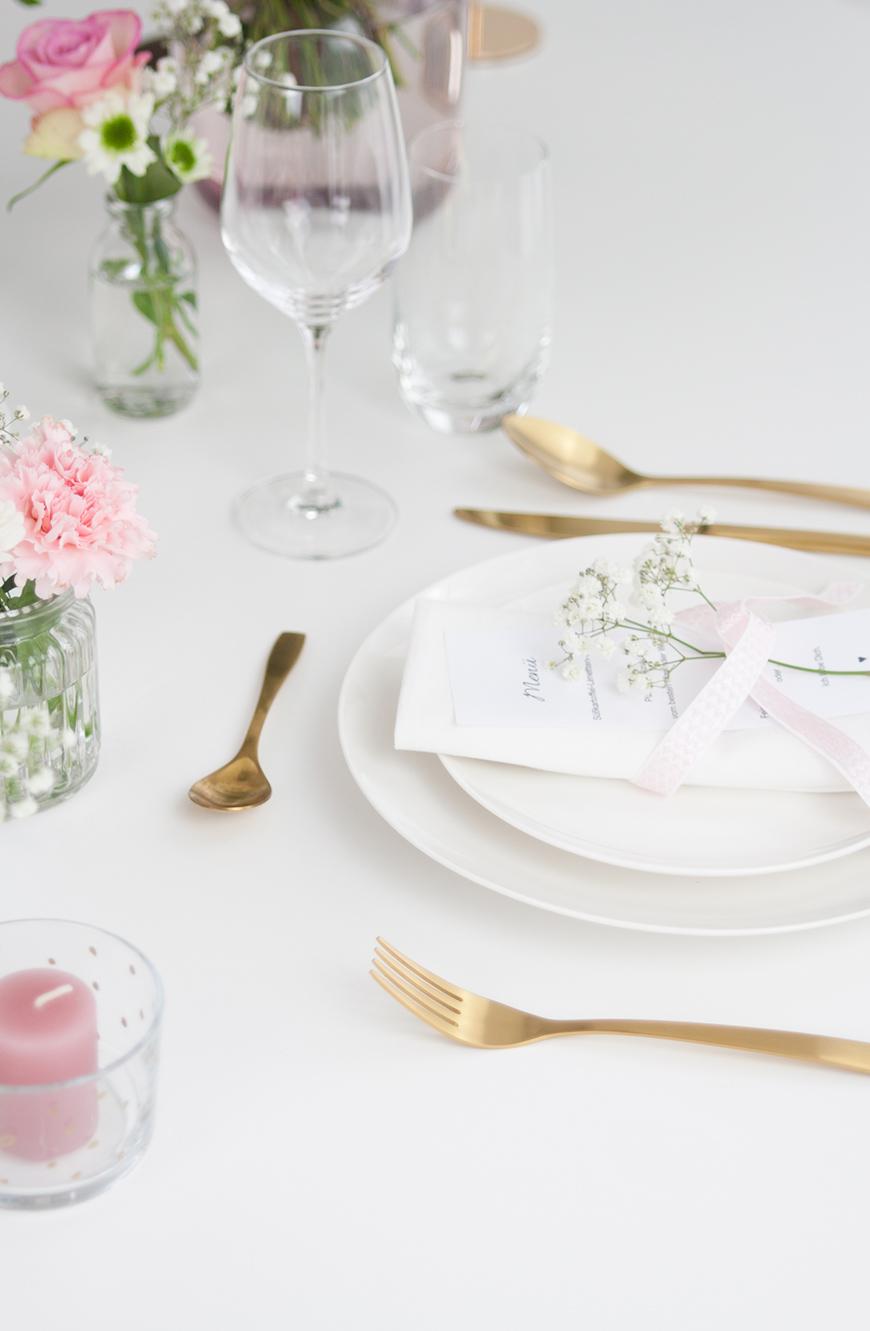 Tischdeko Valentinstag Menükarte