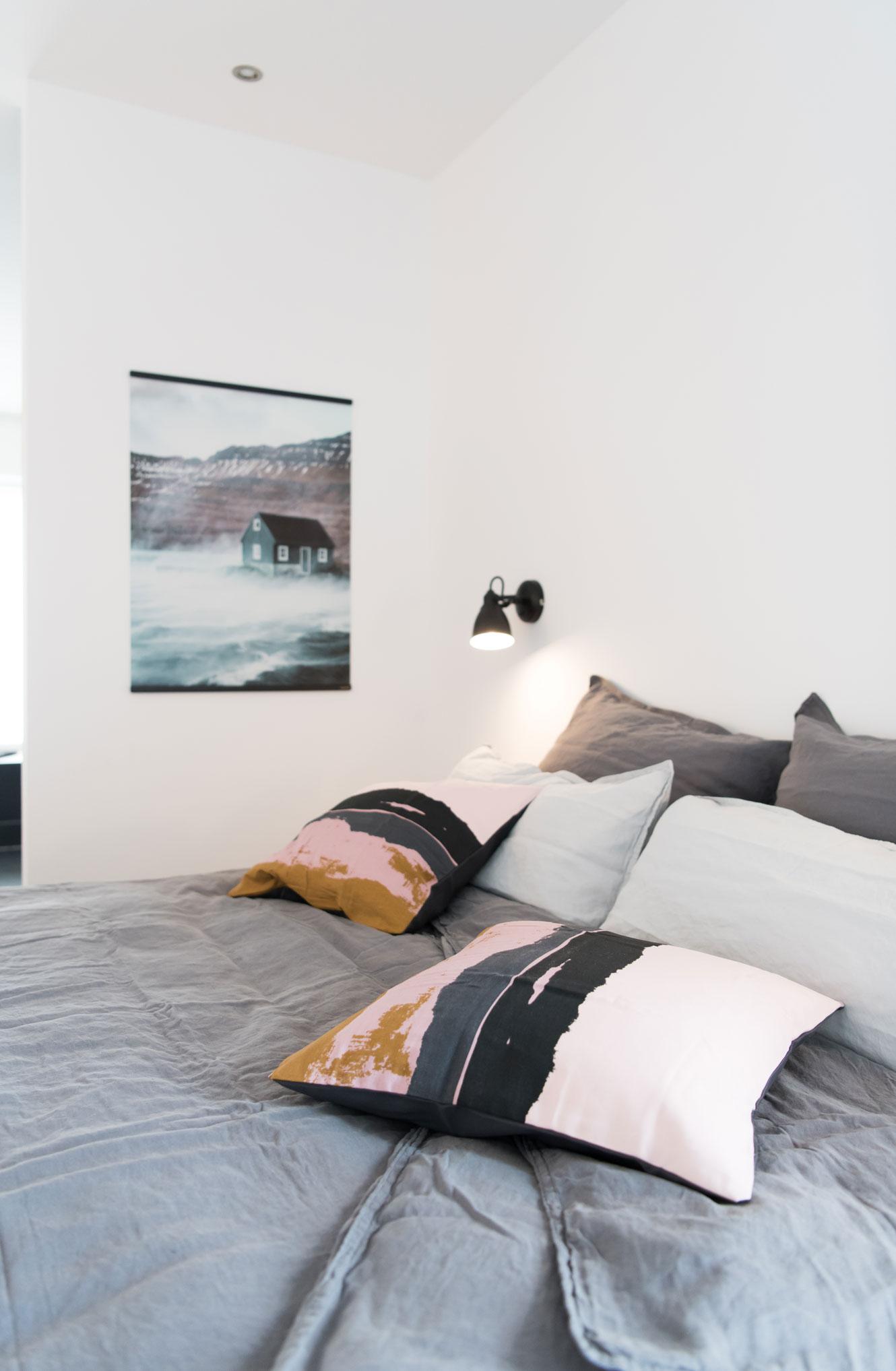 Schlafzimmer mit Skandi Look einrichten