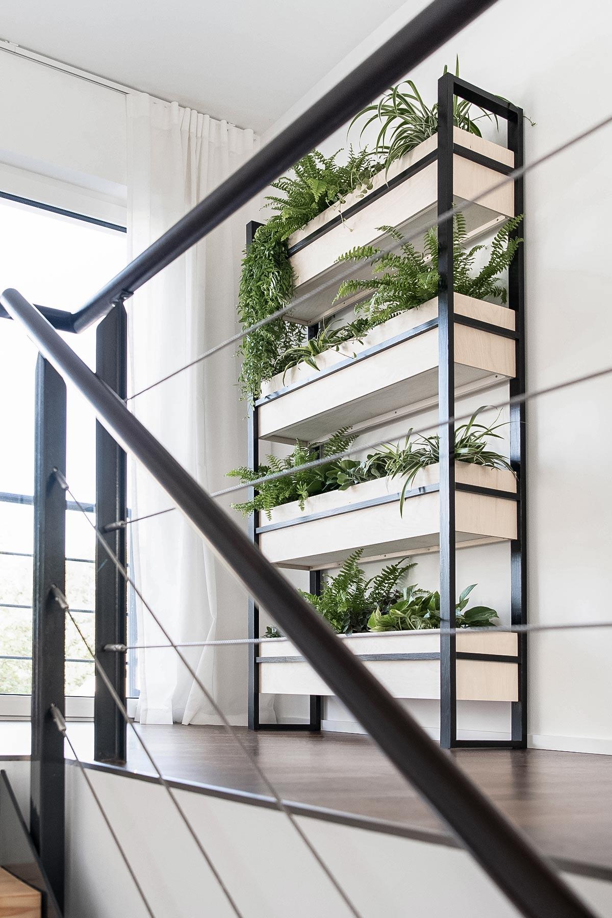 Vertical Garden Regal