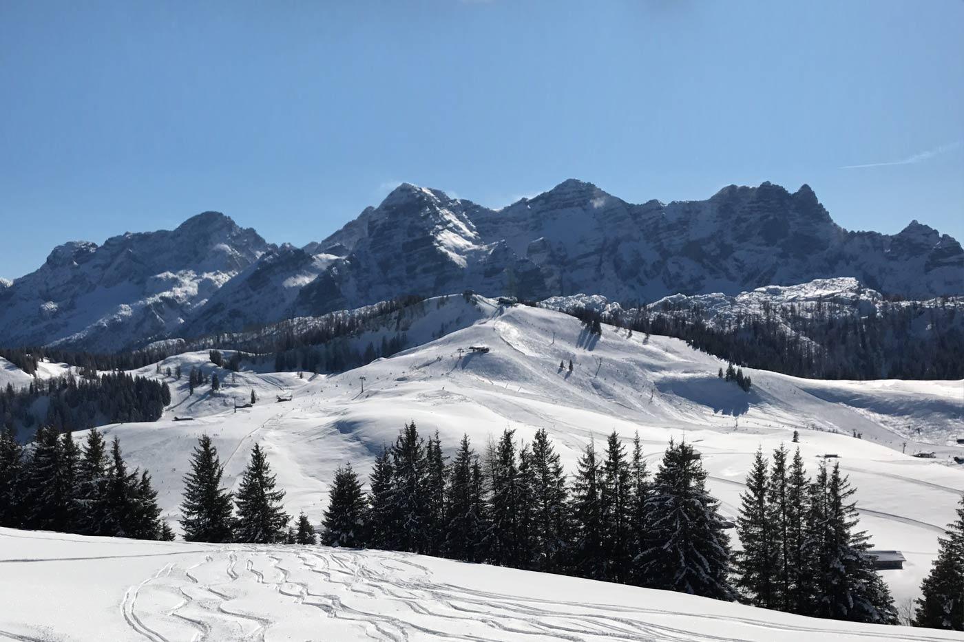 Skifahren bei Salzburg Österreich