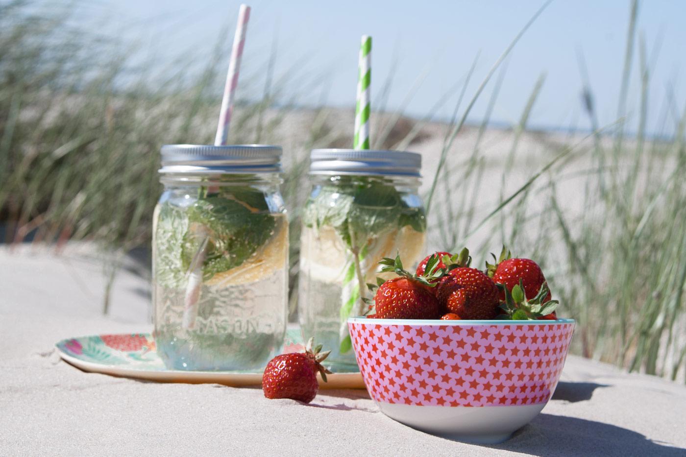 Picknick am Strand mit Geschirr von Rice